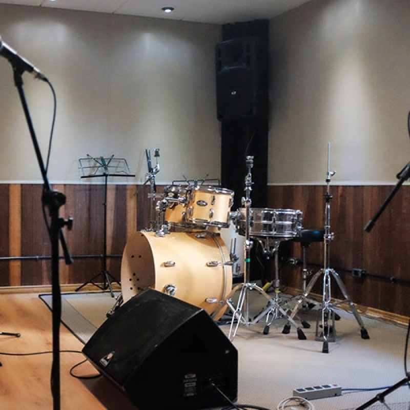 Onde Encontro Estúdio para Ensaio de Bandas Parque Imperial - Estúdio de Ensaio Musical